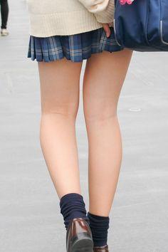 Cute Fashion, Fashion Photo, Girl Fashion, Womens Fashion, School Girl Japan, Japan Girl, School Uniform Fashion, Girls In Mini Skirts, Girls Heels