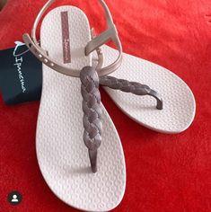 Ipanema 2019 @maramakeupp Ipanema Sandals, High Society, Flip Flops, Slippers, Shoes, Women, Fashion, Moda, Sneakers