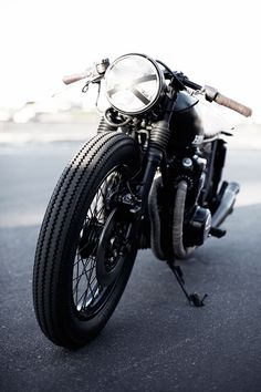 CB550 #motorcycle #rider #ride #motorcycles #bike #bikes #speed #caferacer #caferacers #openroad #motorbikes #motorbike #cycles #naked #standard #sport #cycle #freeride #hog #hogs #sportcycle