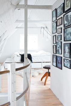 vedbaek-house-attic-platform-bed-custom-designed-by-bjerre-poulsen