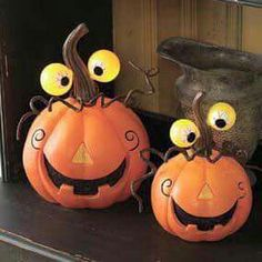 35 Spooky Jack-O-Lanterns You Can Carve with Your Kids . - Margit Hirsch - 35 Spooky Jack-O-Lanterns You Can Carve with Your Kids . porcupine pumpkin with carrot spikes Spooky Halloween, Holidays Halloween, Halloween Pumpkins, Halloween Crafts, Halloween Pumpkin Decorations, Funny Pumpkins, Pumpkin Art, Pumpkin Crafts, Pumpkin Carving