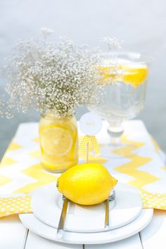 Wedding table settings yellow lemon centerpieces Ideas for 2019 Wedding Blog, Wedding Favors, Wedding Planner, Our Wedding, Wedding Ideas, Wedding Wreaths, Wedding Decorations, Lemon Centerpieces, Cylinder Centerpieces