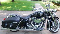 2009 Harley Road King Classic Custom Touring Bagger FLHRC