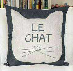 18 chat lin impression oreiller décoratif par ohyescostume sur Etsy, $15.90