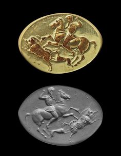 GREEK GOLD RING, CLASSICAL PERIOD, 5TH CENTURY BC  A horseman hunting a boar with a hunting dog below