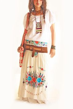 Floral Mexican embroidered Maxi skirt, totally loving it! <3 [via:http://www.aidacoronado.com]