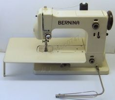 Bernina 125 free-arm zigzag machine with a motor, a knee lever and accessories