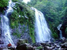 Las 3 cataratas del río Roble en el Parque Nacional Volcán Tenorio de Costa Rica