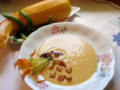 Zupa krem z żółtej cukinii. Nikt się jej nie oprze!