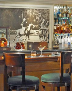 The polo lounge, Beverly Hills Hotel - 8 Legendary L.A. Restaurants to Try Before You Die