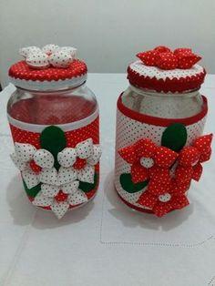 pote de vidro decorado com tecido com fuxico recheado