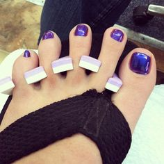 Toe Nails gonnah use this color for prom !!  yeaaauh buddy 420 action boo !!
