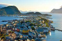 Ålesund Norway [3872 x 2592]