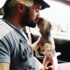 lol Seth Rollins kiss the dog Kevin . And Seth Rollins is a dog lover ha ha ha it is funny