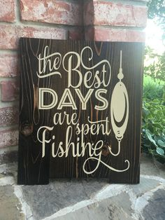 Items similar to The Best Days are Spent Fishing Wall Sign - Reclaimed Cedar Wood Sign - Fisherman Wall Decor - Rustic Fishing Sign - Handpainted Wall Decor on Etsy Funny Wood Signs, Diy Signs, Wall Signs, Wooden Signs, Fishing Signs, Fishing Humor, Fishing Shack, Fishing Quotes, Ice Fishing