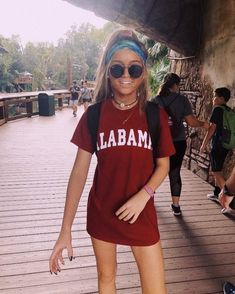 - Ray-Ban Sunglasses eyewear ray-bans fashion sunnies summer fashion discountedsunglas… Source by vianPeneres - Cute Summer Outfits, Cute Casual Outfits, Spring Outfits, Summer Outfits For Vacation, Summer Ootd, Lazy Outfits, Casual Jeans, School Outfits, Looks Street Style