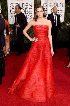 Allison Williams in Armani Prive At Golden Globes 2015