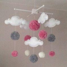 Mobile Baby - Mobile Cot - Nuages et pompons - Mobile Cloud - Mobile bébé - Décor de la chambre de bébé - ,  #cloud #mobile #nuages #pompons