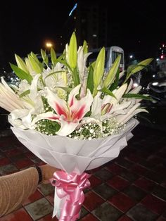 Withlovenregards is one of the finest portal for flower delivery in India with a network in cities in India. We do same day delivery and Midnight flowers Online Flower Delivery, Flower Delivery Service, Same Day Flower Delivery, Send Flowers Online, Bouquet Delivery, Online Florist, Amazing Flowers, Fresh Flowers, Wedding Anniversary