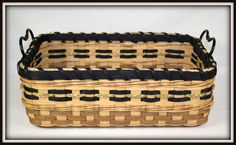 """BASKET PATTERN """"Iris"""" Counter Basket or Tray by Bright Expectations"""