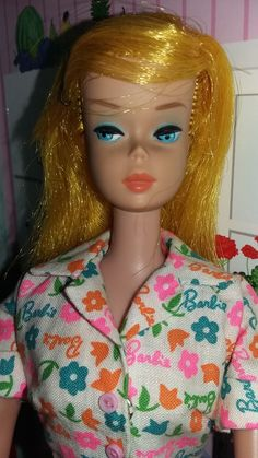 Color magic Barbie wearing Learn to cook by francie 1966 Bobby Pin Hairstyles, Hairstyles With Bangs, Straight Hairstyles, Play Barbie, Barbie And Ken, Vintage Barbie, Vintage Dolls, Color Changer, Neon Hair