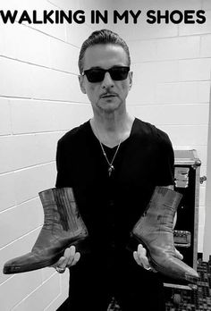 Martin Gore, Dave Gahan, Walk In My Shoes, Most Favorite, Great Bands, Rock Style, Music Is Life, Rock Bands, Singer