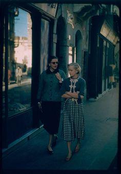 Slim Keith and Bridget Hayward walking in Switzerland, 1957