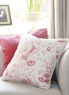 Antoinette - A stunning 18th Century based toile in Pink.