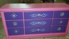 Frozen dresser