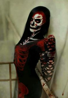 I seriously want to do this for Halloween this year.. if I do, I'll definitely post pictures! Wish me luck. ;*