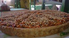 El Bambú fue el primer restaurante vegetariano de Cuba y a día de hoy está considerado el mejor de La Habana. También fue el primero en impulsar en la isla una campaña de concienciación sobre la educación alimentaria y los beneficios de la dieta sin carne.