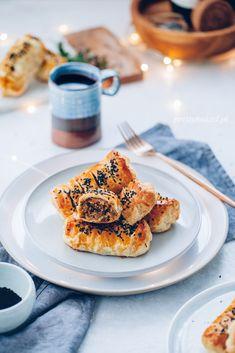 Snack Recipes, Snacks, Dinner Is Served, Sauerkraut, French Toast, Stuffed Mushrooms, Rolls, Facebook, Breakfast