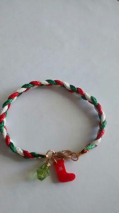 Christmas is coming in bracelet