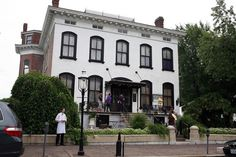 http://www.twincitiesnewstalk.com/photos/pop-pics/the-25-most-haunted-places-in-371025/