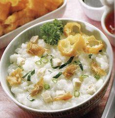 Bubur Ayam (chicken porridge) Bubur Ayam Recipe, Malaysian Cuisine, Porridge Recipes, Indonesian Cuisine, Asian Soup, Dutch Recipes, Cooking Recipes, Asian Cooking, Indian