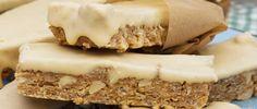 Sweet and Salty Granola Bars Yummy Snacks, Snack Recipes, Healthy Recipes, Granola Bars, Sweet And Salty, Rice Krispies, Peanuts, White Chocolate, Cravings