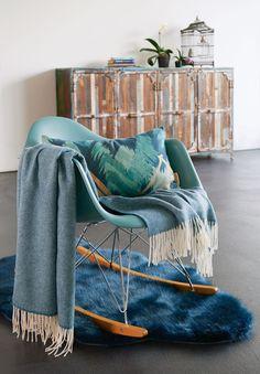 Eine Kaschmirdecke für Ihr Sofa » Kollektion Grace aus 20% Kaschmir und 80% Wolle #winterhome #wohnaccessoires #tagesdecke kaschmir #SONNHAUS Winter House, Blanket, Bed, Home Decor Accessories, Ad Home, Homes, Stream Bed, Blankets, Beds