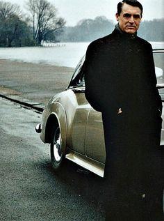 Mmmmmmmm...Cary Grant...male perfection...   (via The Fuller View / Pinterest)
