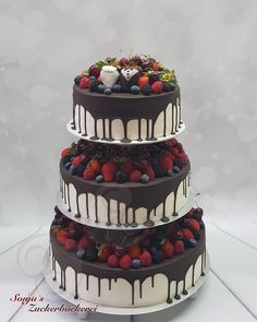 Hochzeitstorte  Drip Cake auf Etagere Drip Cakes, Naked Cakes, Make A Person, Crochet Basics, Wonderful Things, Wedding Decorations, Wedding Ideas, Wedding Cakes, Dream Wedding