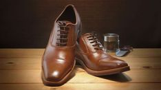 The Rihga Royal Hotel in Osaka has nine pairs of edible men's shoes. They come in three different shades of leather (er, chocolate) and look like real shoes. Chocolate Men, Sexy Geek, Geek Gifts, Men S Shoes, Shoe Sale, Oxford Shoes, Dress Shoes, Geek Stuff, Lace Up