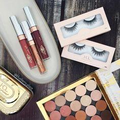 "Polubienia: 324, komentarze: 30 – Jagoda (@blueberry.place) na Instagramie: ""@colourpopcosmetics lipsticks and eyeshadows (yep, I'm obsessed 🙄🙈) with some gold company…"""