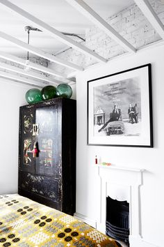 Mixing old and new in a Londonhome - desire to inspire - desiretoinspire.net