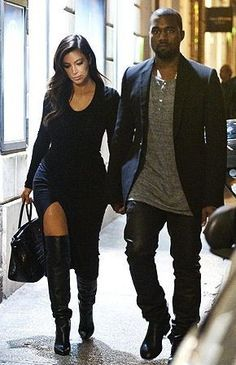 Seriously!? Kim Kardashian Changes Outfits...During Dinner! - Celebrity Street Style