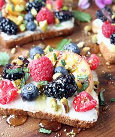 Sweet Berry & Grilled Peach Toasts with Crushed Pistachios, Honey, Mascarpone and Mint - The perfect 7-minute solution for leftover fruit!