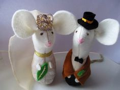 Felt Wedding Mice, Bride & Groom Cake Toppers by oothatsnice on Etsy