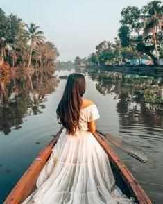 Jaipur Travel, Kerala Travel, India Travel, Girl Photography Poses, Travel Photography, Village Photography, States Of India, Lake Resort, Moda Boho