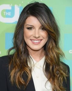 This is what I want my hair to look like. Dark brown base with blonde highlights.  Shenea Grimes Ravishing Caramel Hair Highlights