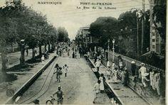 La rue de la Liberté, Fort-de-France -  Carte postale, Collection Leboullanger -  Date inconnue