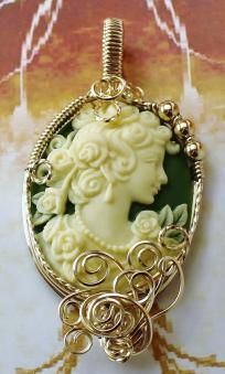 Sold ~R730 Grecian Goddess Grapes Cameo Pendant 14k Rolled Gold Green
