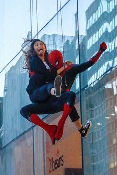 Marvel Photo, Marvel Jokes, Marvel Actors, Marvel Funny, Marvel Avengers, Spiderman Marvel, Mode Zendaya, Zendaya Style, Tom Holland Zendaya